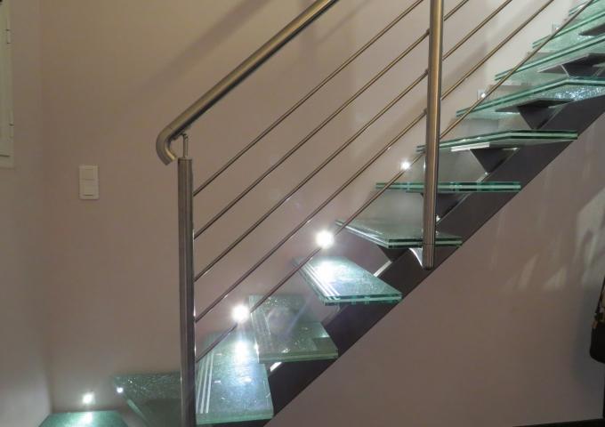 r alisations expoverre escalier verre. Black Bedroom Furniture Sets. Home Design Ideas